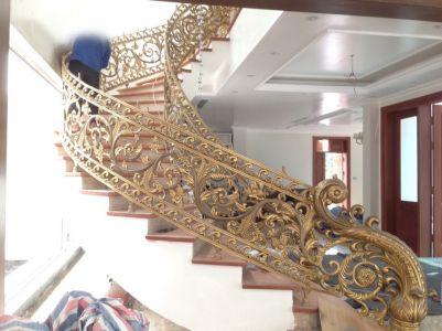 Thi công cầu thang đồng đúc Bạc Liêu