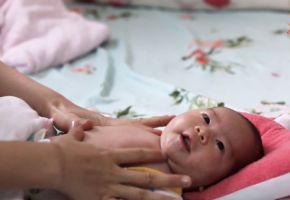 Video massage cho bé sơ sinh