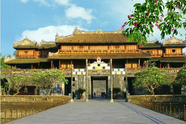 Huế - La Vang - Động Thiên Đường - Cù Lao Chàm - Hội An - Bà Nà - Đà Nẵng