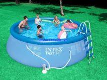 Hồ bơi đơn giản với bơm lọc Intex 28168