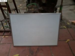 Bảng fooc trắng viết bút dạ khung nhôm nẹp nhỏ BF1006