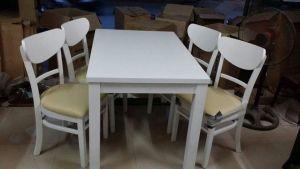 Bộ bàn ghế phòng ăn gỗ nệm màu trắng