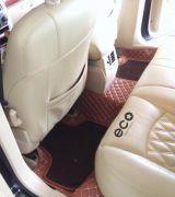 Thảm trải sàn ô tô - phụ kiện không thể thiếu trên mỗi chiếc xe.