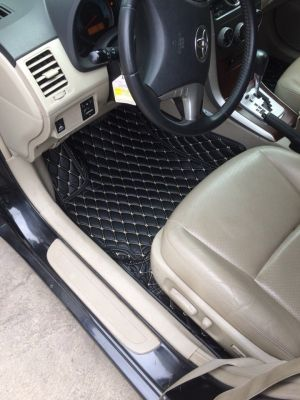 Thảm lót sàn Eco ô vuông 2 chỉ Toyota Altis màu đen chỉ kem 1 lớp