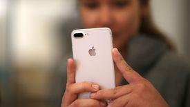 Mùa mua sắm cuối năm: Cơ hội kiếm tỷ USD của Apple đã tới