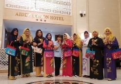 ĐOÀN KHÁCH INDONESIA - THAM QUAN HANOI - HALONG - SAIGON
