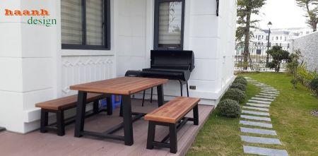 Bàn ghế chân sắt sơn tĩnh điện và mặt gỗ teak