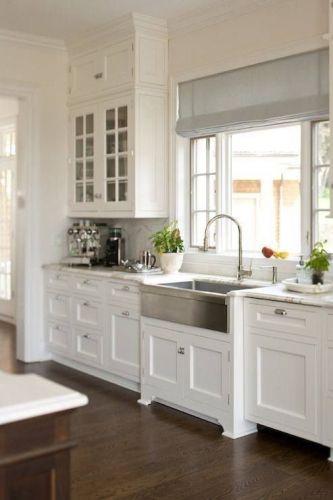 Tủ bếp gỗ tự nhiên tân cổ điển BTN 019