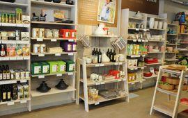 Cách trưng bày hàng hoá, cửa hàng để khách mua hàng nhiều hơn