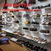 Kệ gỗ trưng bày giày dép, túi sách. KG01