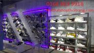 Cửa hàng mẫu giày dép. CH76
