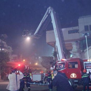 Diễn tập phương tán chữa cháy tại Chợ Đồng Xuân
