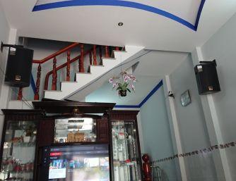 Treo Loa TplusV 10 Pro nhà khách