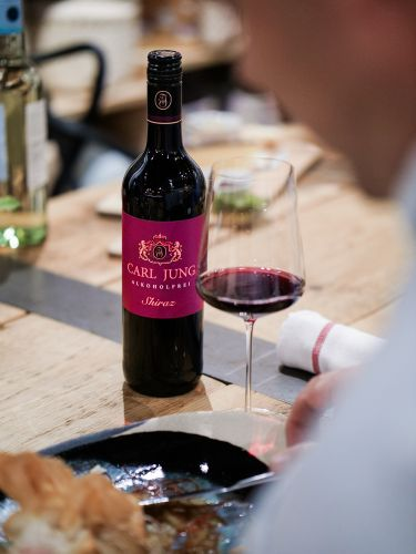 Rượu Carl Jung Alkoholfrei Shiraz