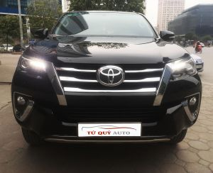 Xe Toyota Fortuner 2.7AT model 2017 - Đen