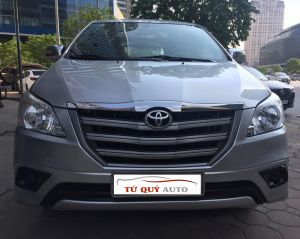 Xe Toyota Innova 2.0E 2014 - Bạc