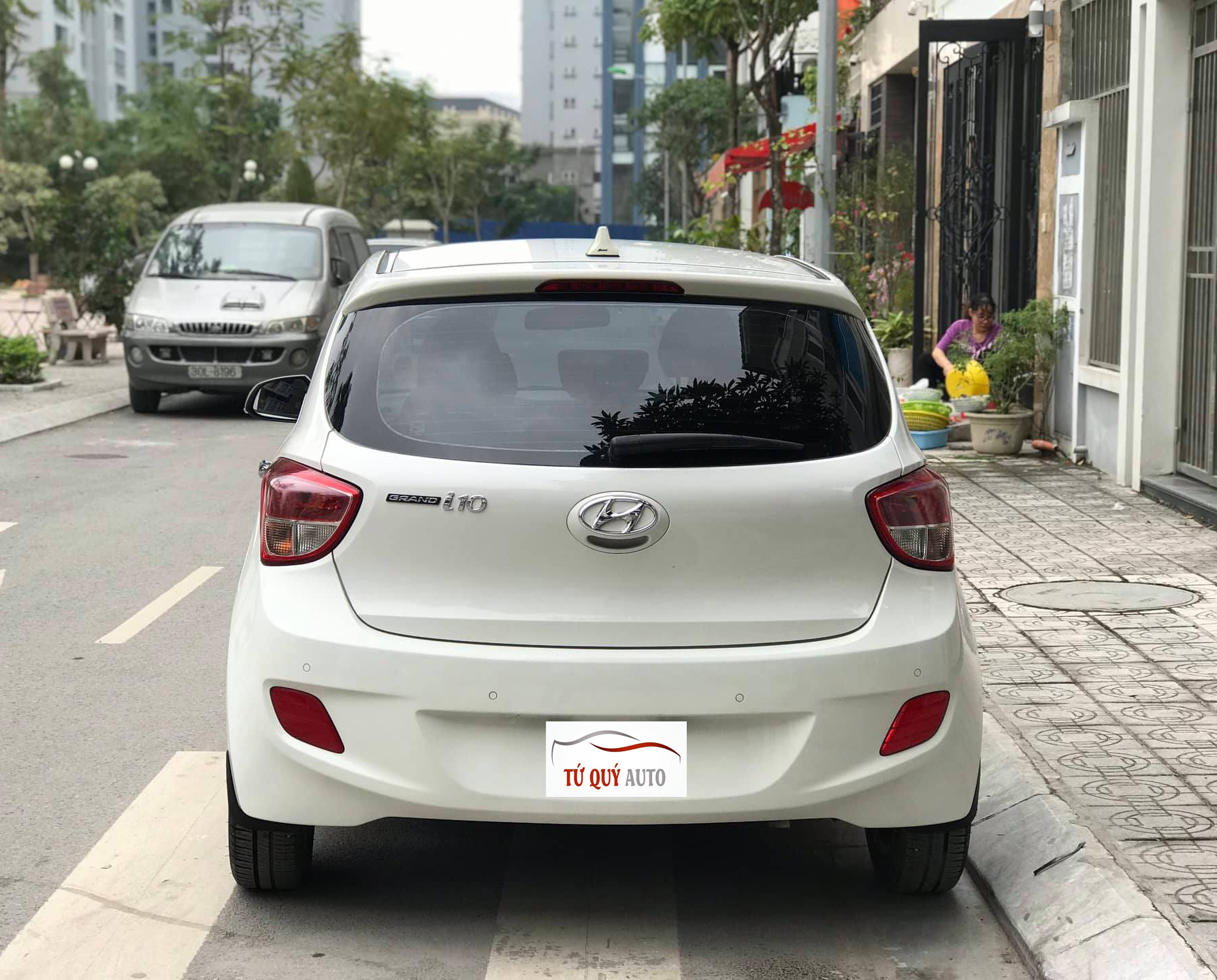 Hyundai i10 HB 1.0AT 2015 - 2