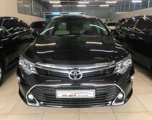 Xe Toyota Camry 2.0E 2018 - Nâu