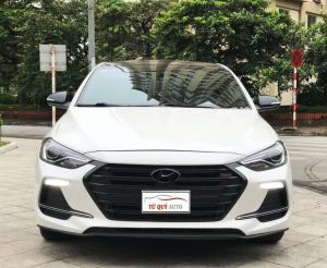Xe Hyundai Elantra Sport 1.6Turbo 2018 - Trắng