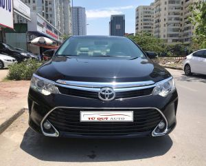 Xe Toyota Camry 2.0E 2017 Model 2018 - Đen