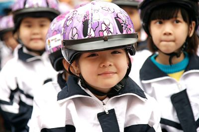 Tại sao phải đội mũ bảo hiểm cho trẻ em - Cách lựa chọn mũ cho trẻ - Quy định xử phạt