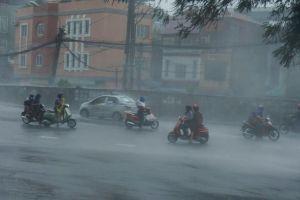 Hôm nay miền Bắc hạ nhiệt, Bắc Bộ, Bắc Trung Bộ mưa to