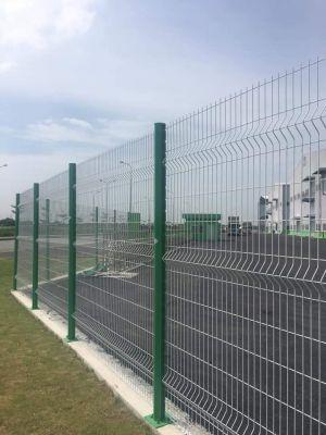 Hàng rào mạ kẽm sơn tĩnh điện chấn sóng trên thân
