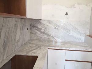 Bàn bếp đá trắng Ý Gana