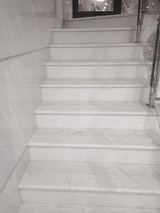 Cầu thang đá trắng Ý