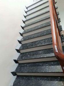 Cầu thang đá xanh xà cừ