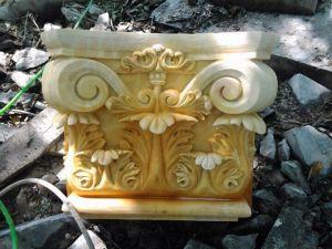 Chân cột đá vàng hồng 1