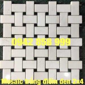 Đá dán trắng điểm đen 2x4 - Mosaic trắng điểm đen 2x4
