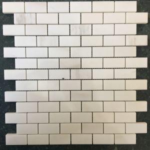 Đá dán Square 23x48 trắng sữa