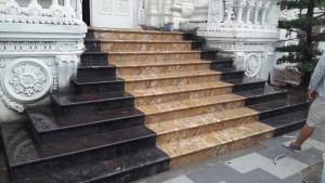 Bac cap da Granite Vang Hoang Gia An Do va Tim Sa Mac