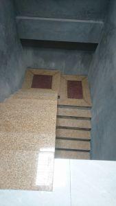 Cau thang bo da Granite Vang dam Binh Dinh
