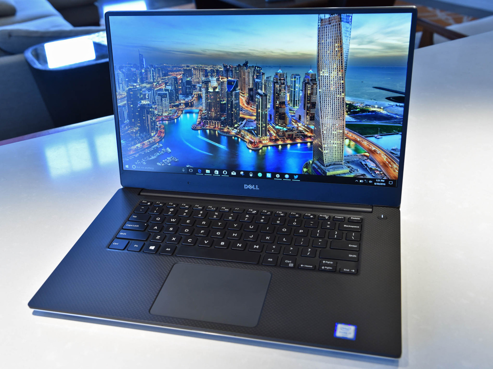dell-xps-15-fhd-hero1