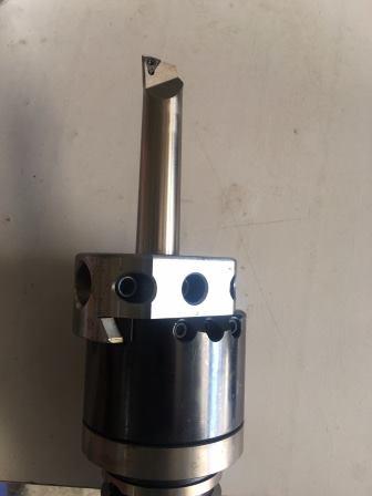 Phương thức gia công lỗ trên máy phay CNC