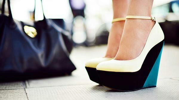 Kiểu giày cao gót Wedge Shoes