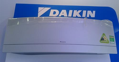 Hình ảnh thực tế của điều hòa Daikin FTKJ25NVMVW/RKC25NVMV