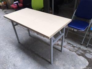 Bàn chân Gấp 1m4x60 sơn ghi mặt gỗ giá rẻ ( mới 100%)