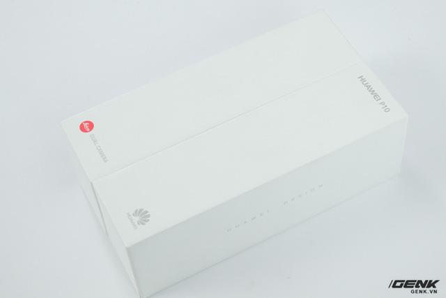 Hộp của Huawei P10 được làm đơn giản nhưng rất đẹp và cao cấp