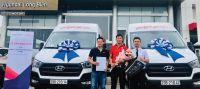 Hyundai Long Biên bàn giao lô xe Hyundai Solati cho Công ty Cổ phần hàng không VietJet (VietJet Air.com)
