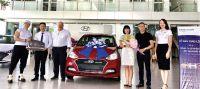HYUNDAI LONG BIÊN bàn giao lô 22 xe Hyundai Grand i10 cho Công ty Cổ phần HTC Liên Vận Quốc Tế