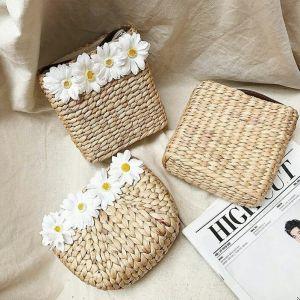Túi đi biển túi cói vuông  hoa cúc