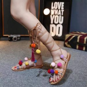 Sandal đi biển pompom