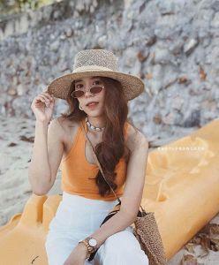 Nón đi biển vành ngang đan thưa