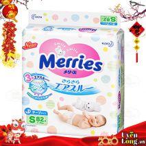 Bỉm Dán Merries Nội Địa Nhật Size S82 (4-8kg)