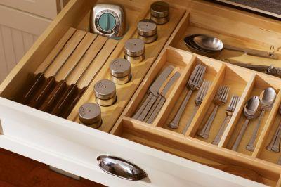 Ba tuyệt chiêu sắp xếp tủ bếp gọn gàng đáng để bạn học hỏi