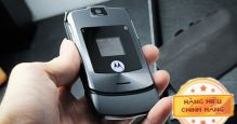 Điện thoại Motorola V3i màu bạc