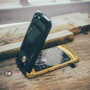Điện Thoại Motorola RAZR  Luxury Edition
